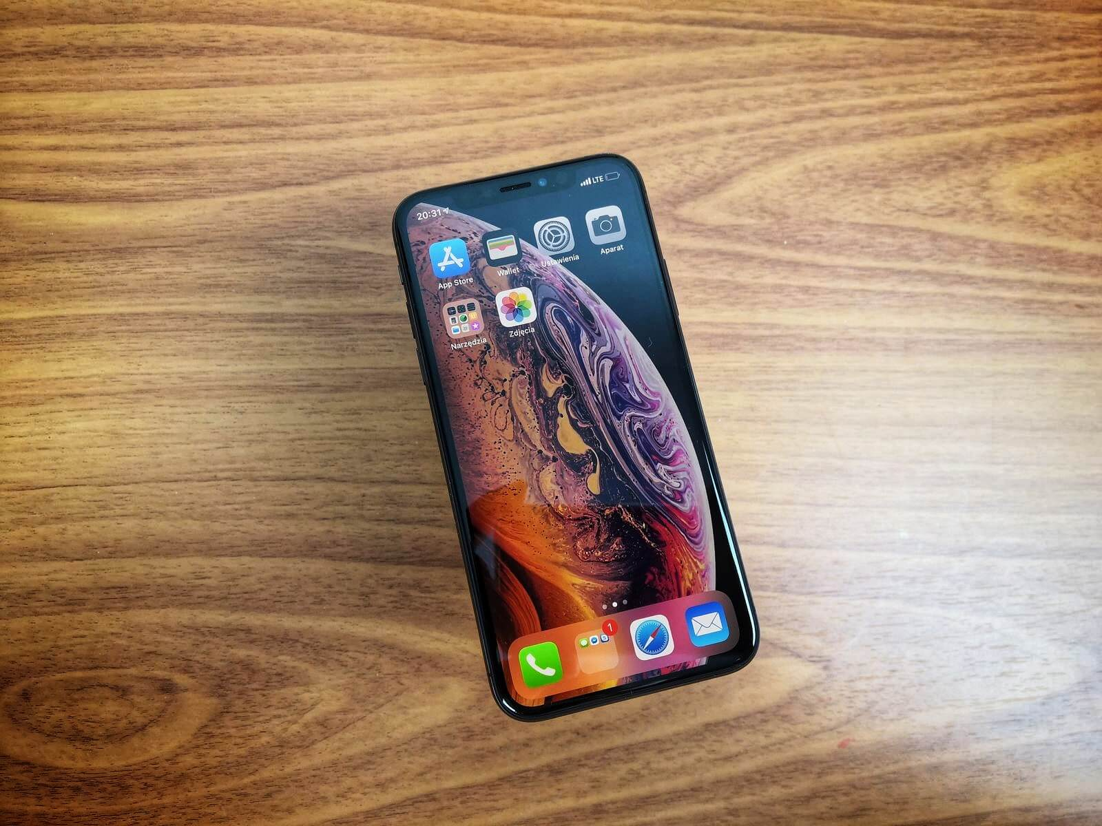 iphone xs main