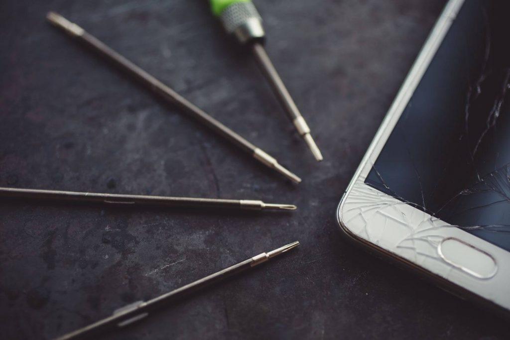 zepsuty smartfon