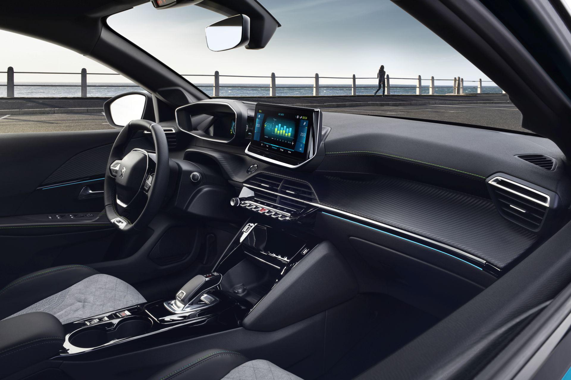 Peugeot e-208 kokpit