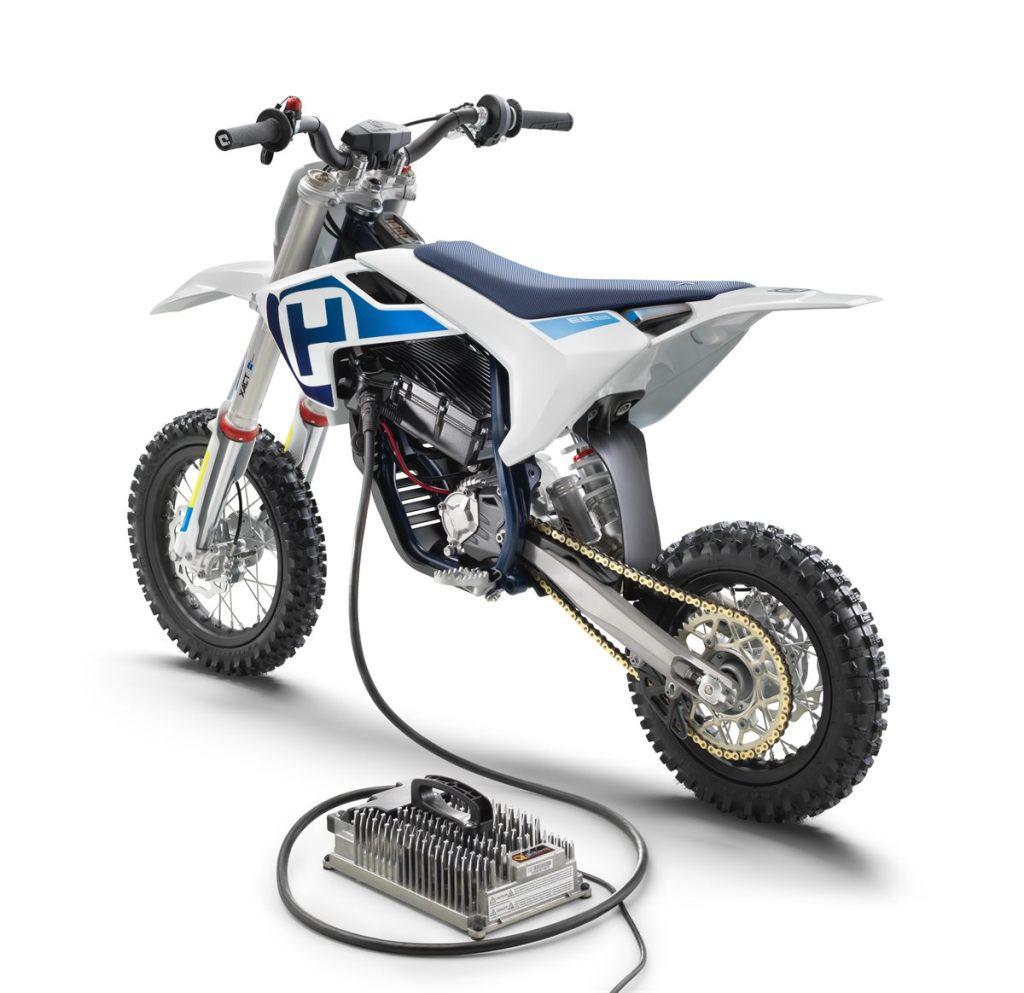 Husqvarna-Motorcycles-EE-5