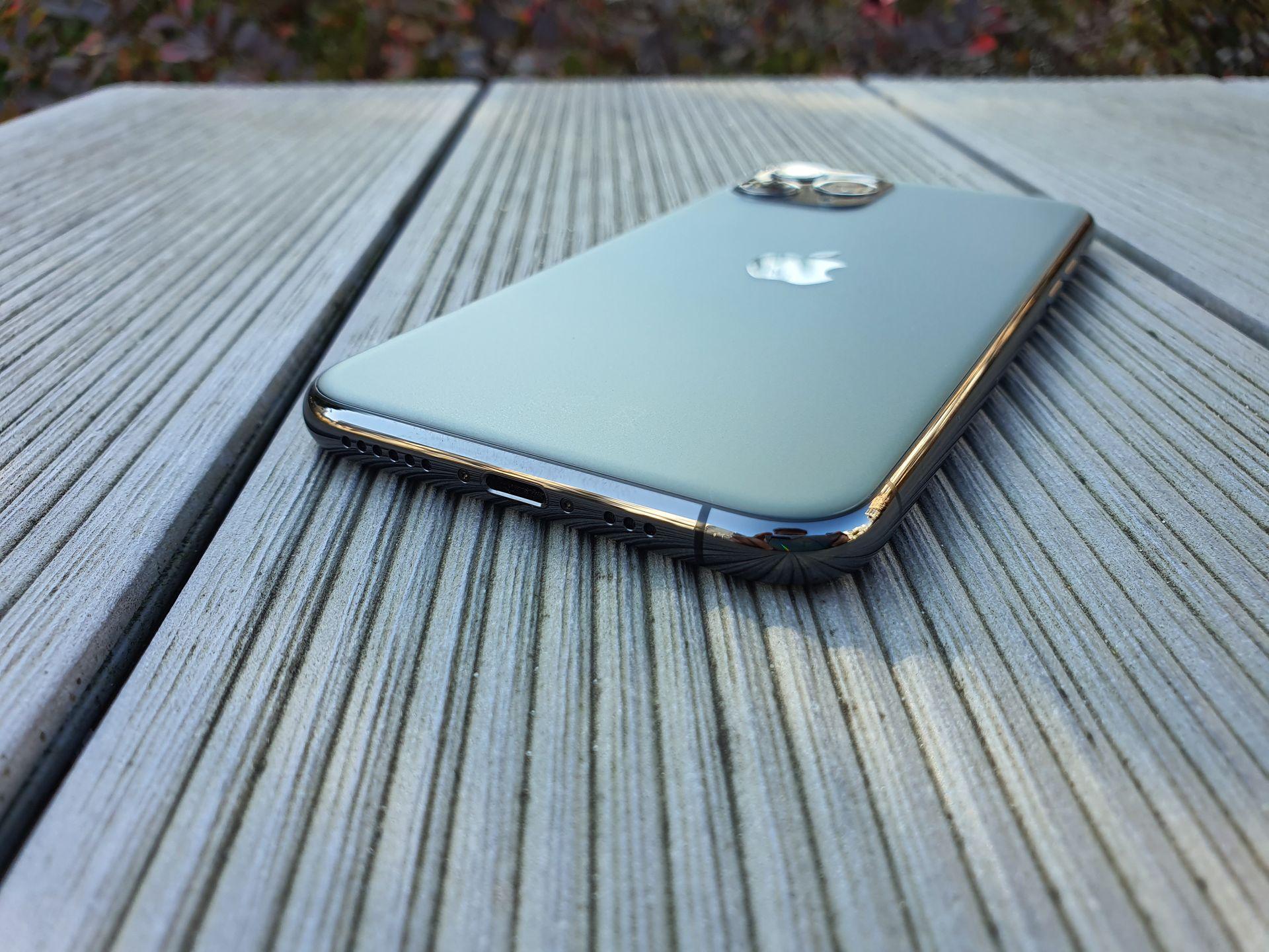 iphone 11 pro dół tył